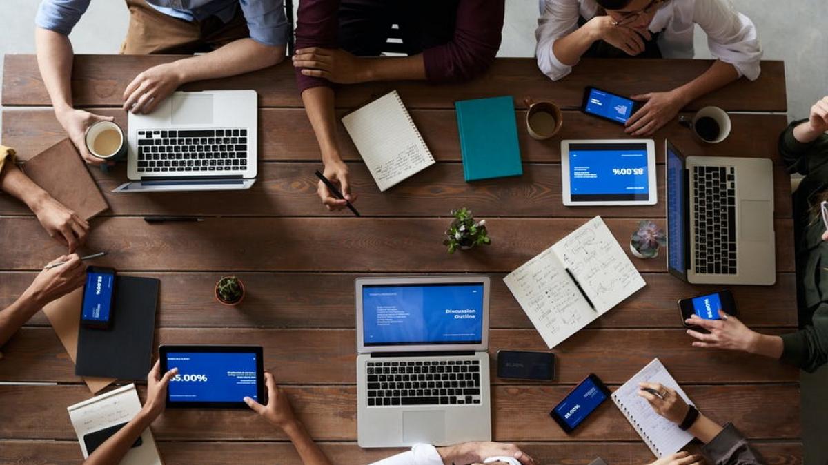 communicatie op de werkvloer is zo belangrjk,werkzen